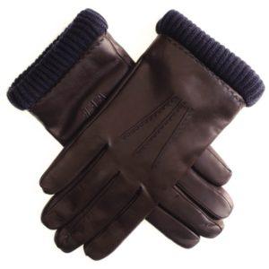 Классические перчатки и рюкзаки для деловых людей: как изменяются изделия кожгалантереи?