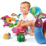 Надо ли покупать детям дорогие игрушки?