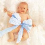 Что подарить младенцу?