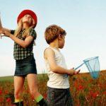 Как одевать ребенка на прогулку летом: советы и рекомендации
