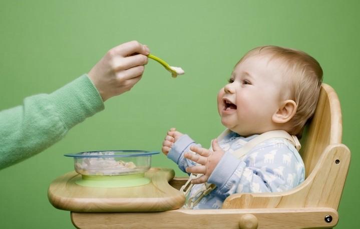 Выбор стульчика для кормления: вопрос безопасности малыша