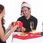 Выбор новогоднего подарка для любимого — полезные советы.