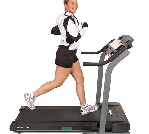 Преимущества и недостатки тренировки на беговой дорожке