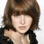 Модные прически для волос средней длины
