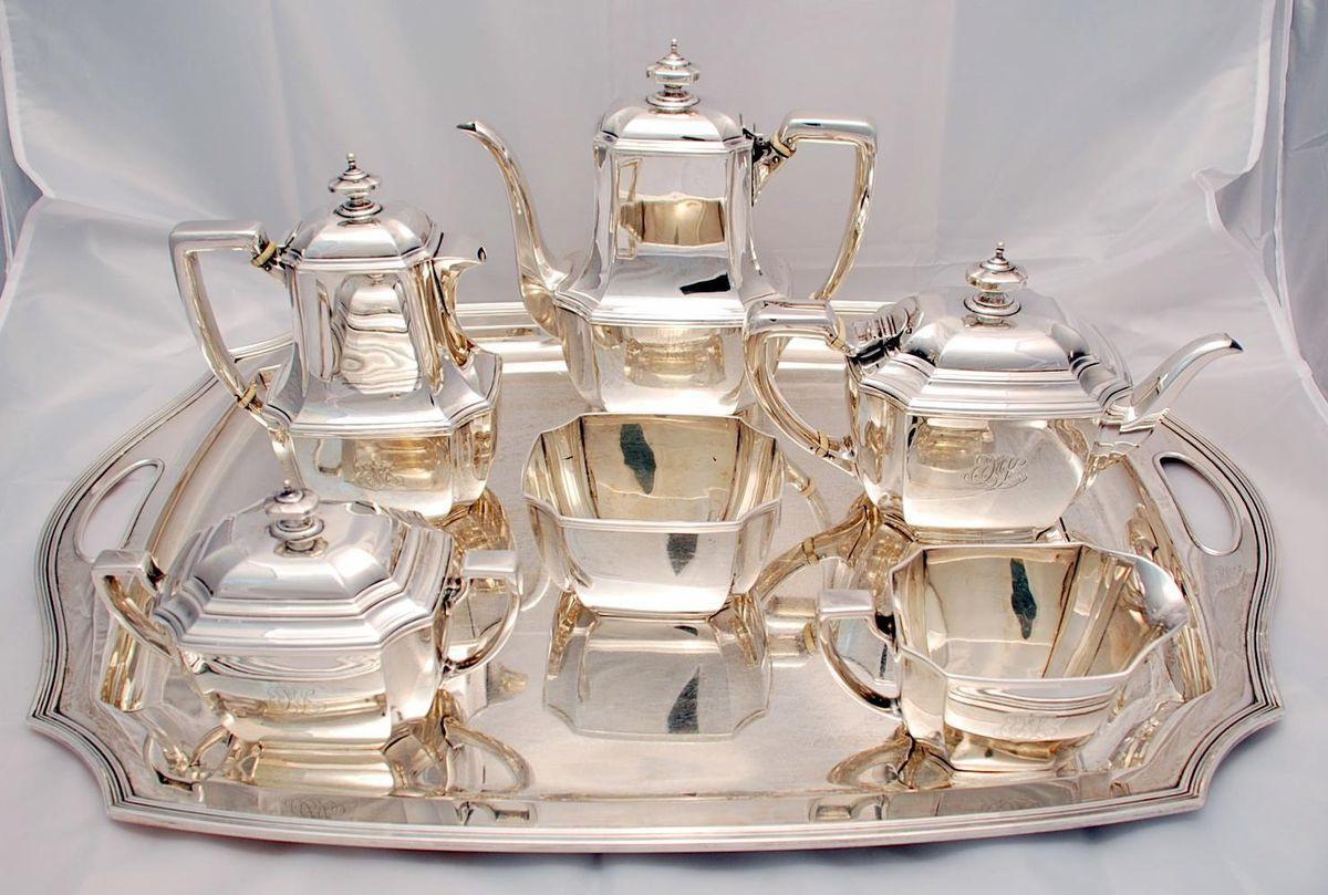 Чайный сервиз из серебра