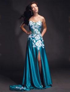 Как подобрать по фигуре вечернее платье?