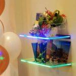 Подсветка стеклянных полок с помощью светодиодов