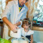 Весёлый праздник со вкусным мороженым - что ещё нужно ребёнку для счастья?
