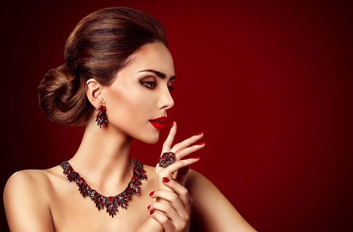 Как стать дамой из высшего света: 4 нехитрых правила