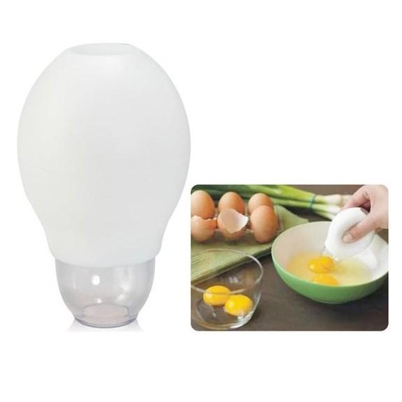 Отделитель яичных желтков одним нажатием