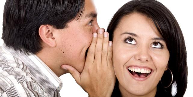 Женщина любит ушами